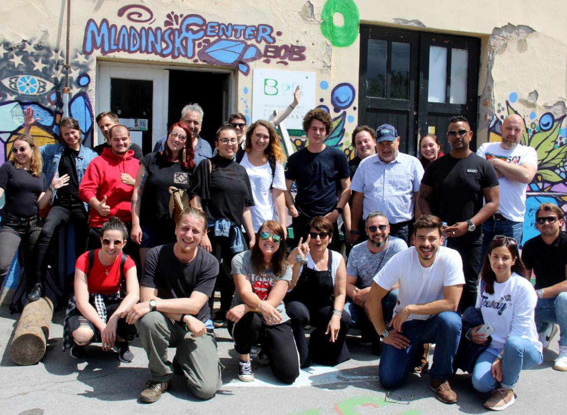 """Mezinárodní projekt Magic Wand – """"Čarobna palica za ulično delo zmladimi"""""""